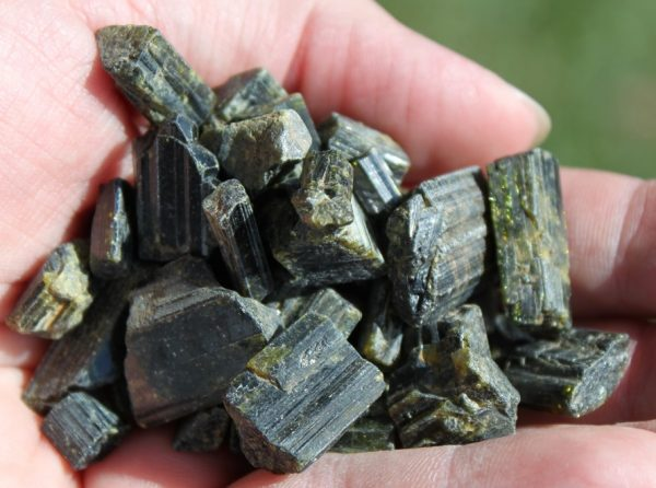 epidote crystals ethical source