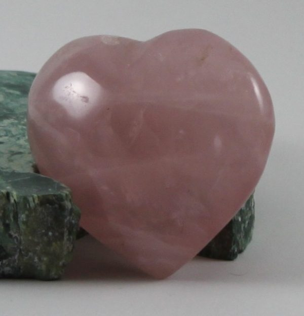 dark pink rose quartz heart ethical source